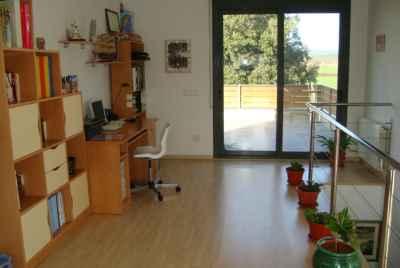 Дом с большим садом и гаражом на Costa Brava